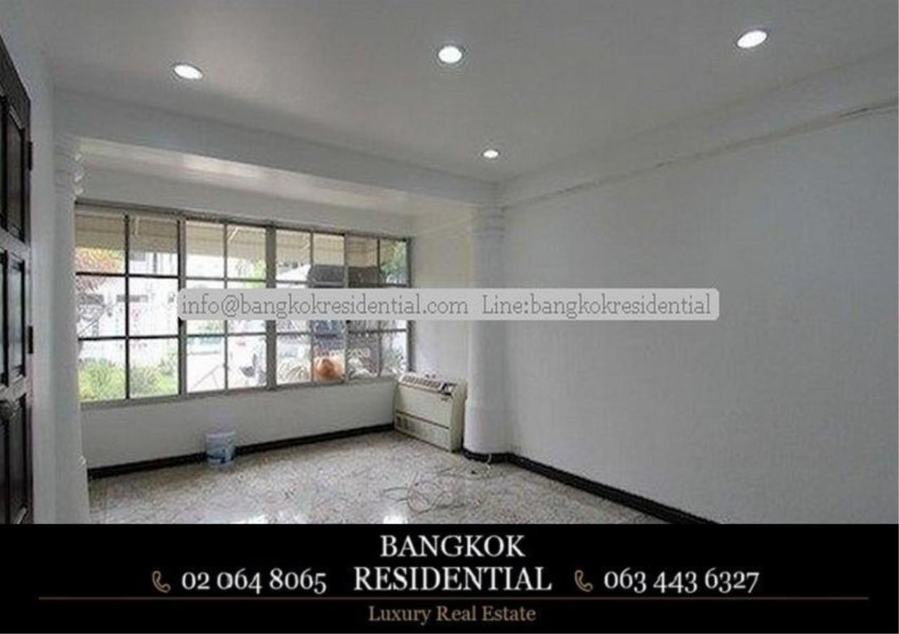 Bangkok Residential Agency's 4 Bed Single House For Rent in Thonglor BR8101SH 4