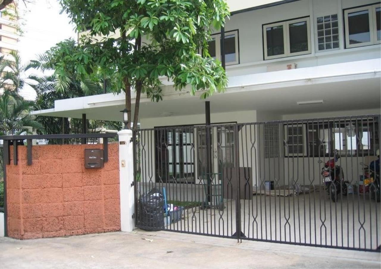Bangkok Residential Agency's 3 Bed Single House For Rent in Ekkamai BR8122SH 4