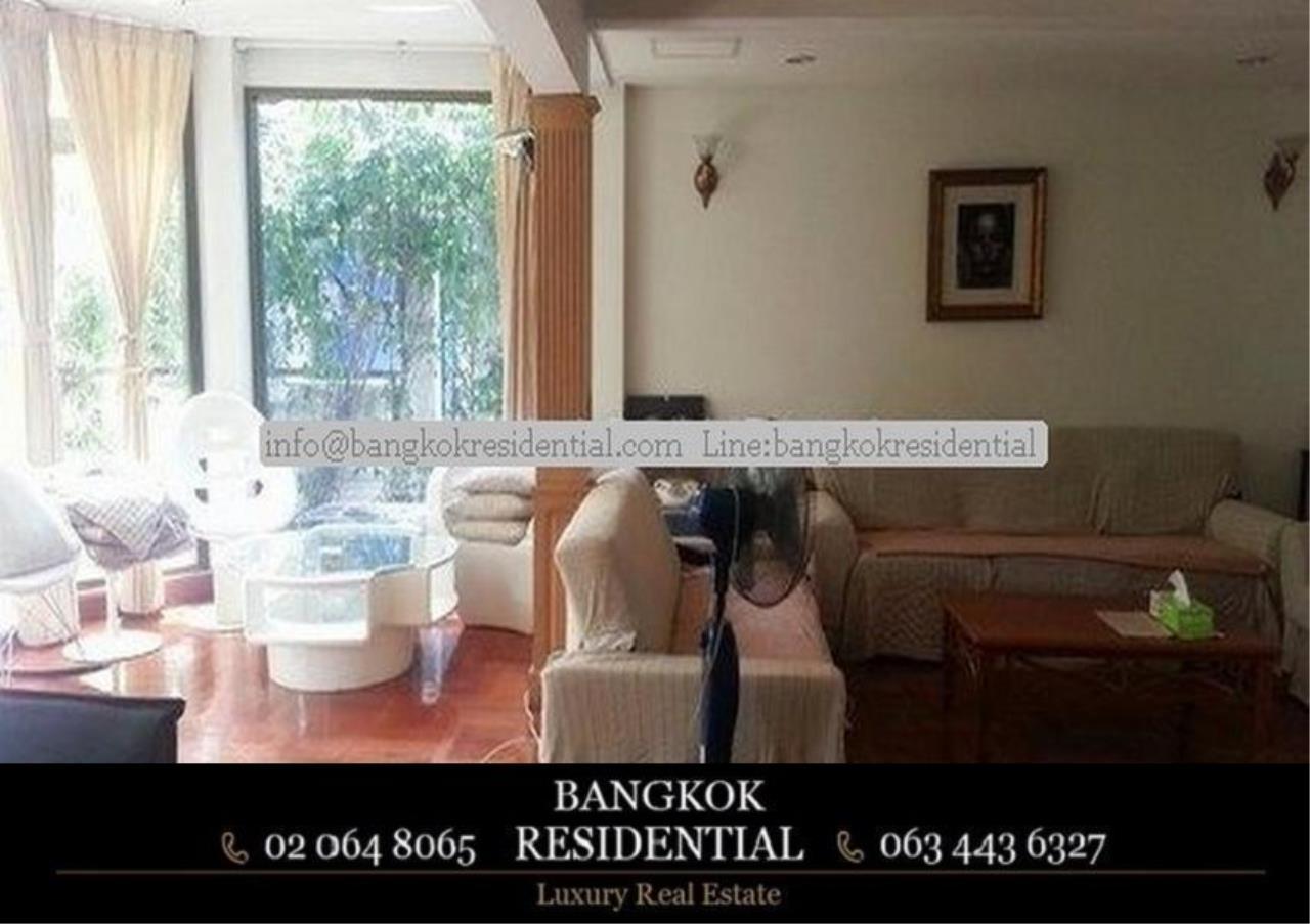 Bangkok Residential Agency's 3 Bed Single House For Rent in Ekkamai BR8124SH 2