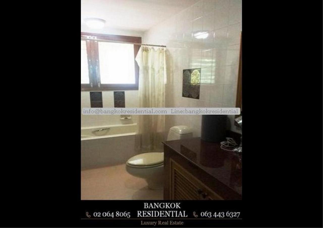 Bangkok Residential Agency's 3 Bed Single House For Rent in Ekkamai BR8124SH 11
