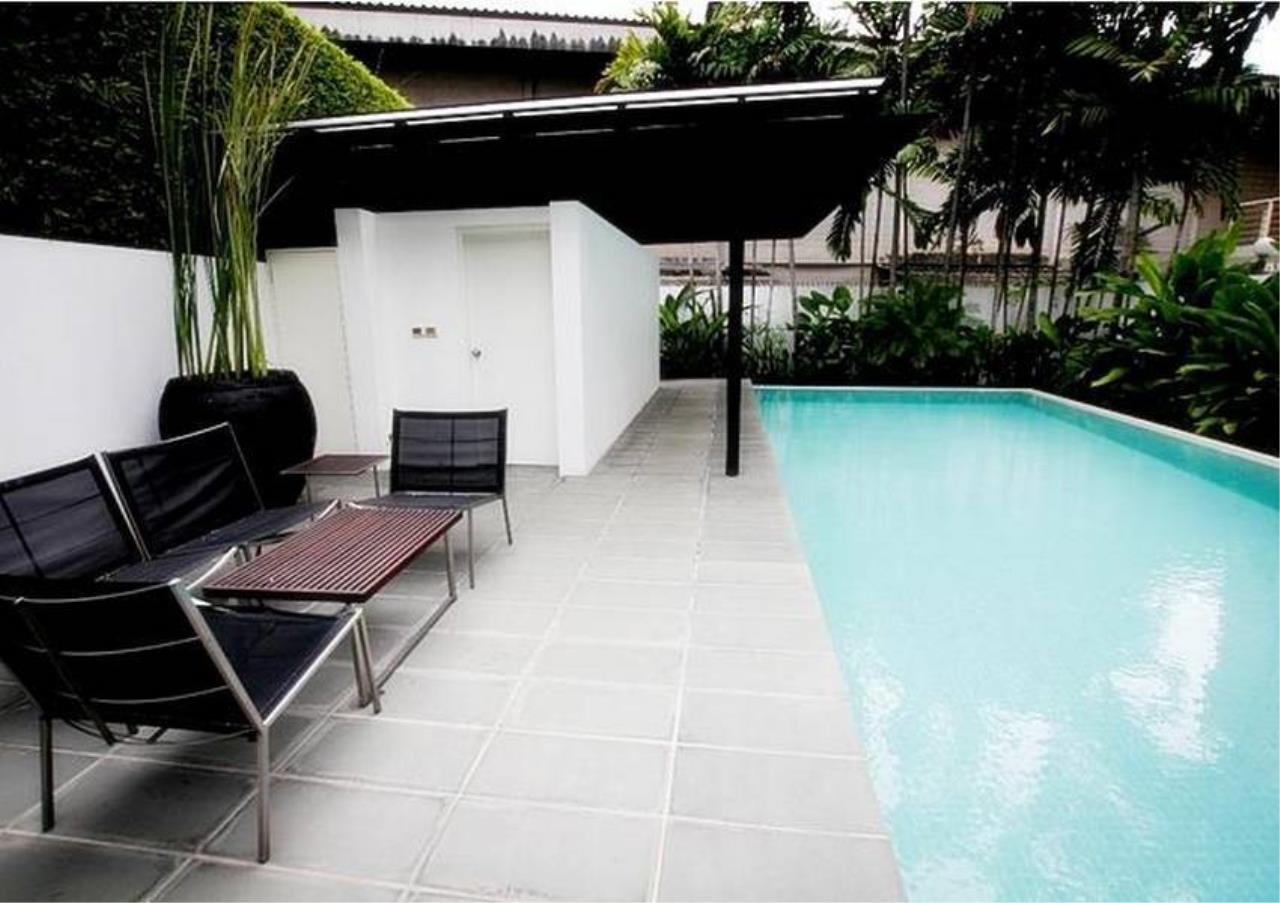 Bangkok Residential Agency's 4 Bed Single House in Compound For Rent in Sathorn BR8144SH 2