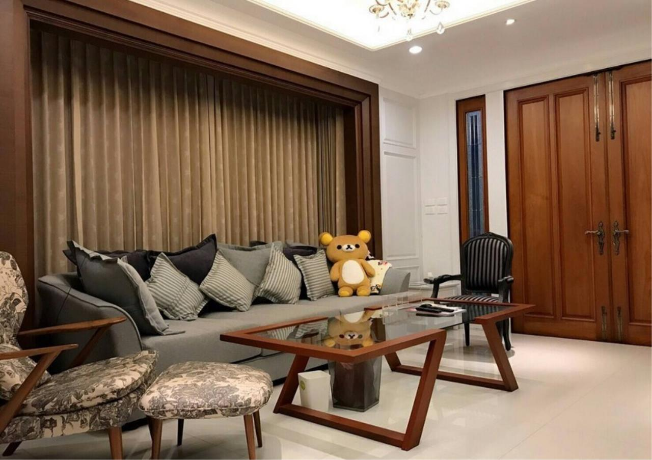 Bangkok Residential Agency's 5 Bed Single House For Sale in Punnawithee BR8223SH 1