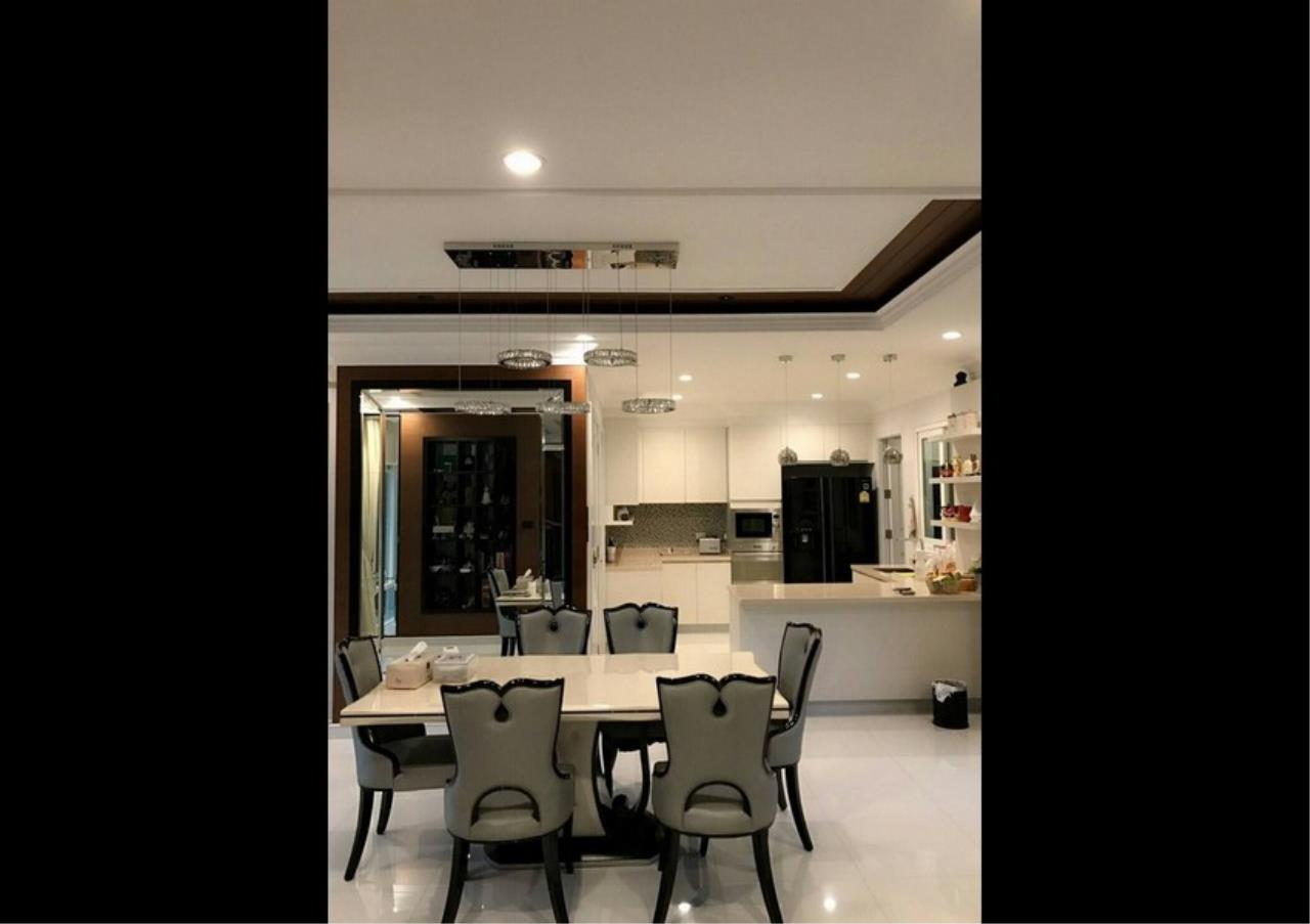 Bangkok Residential Agency's 5 Bed Single House For Sale in Punnawithee BR8223SH 4