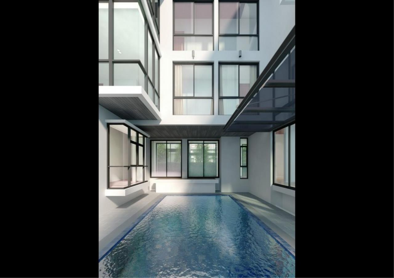Bangkok Residential Agency's 6 Bed Single House For Rent in Phrom Phong BR8237SH 1