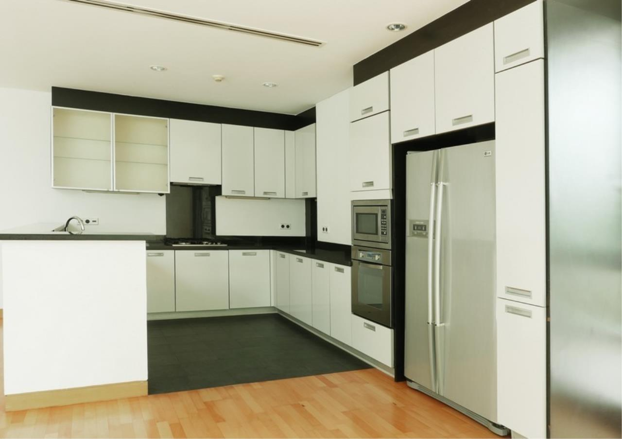 Bangkok Residential Agency's 5 Bed Single House in Compound For Rent in Sathorn BR8276SH 9