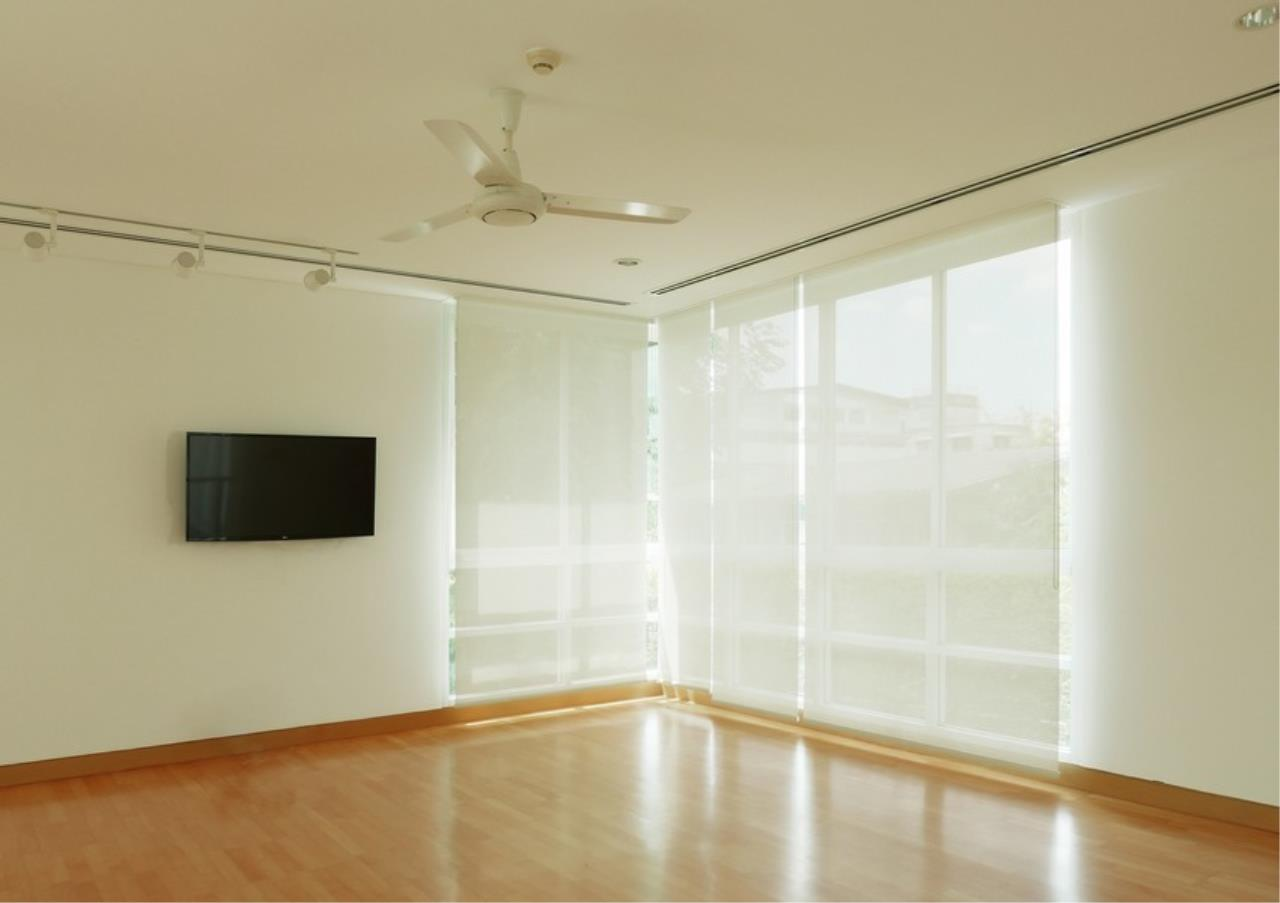 Bangkok Residential Agency's 5 Bed Single House in Compound For Rent in Sathorn BR8276SH 6