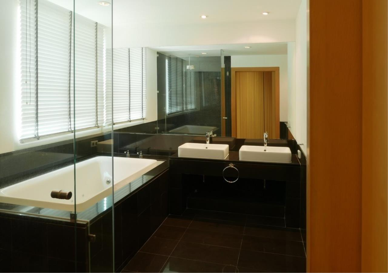 Bangkok Residential Agency's 5 Bed Single House in Compound For Rent in Sathorn BR8276SH 10