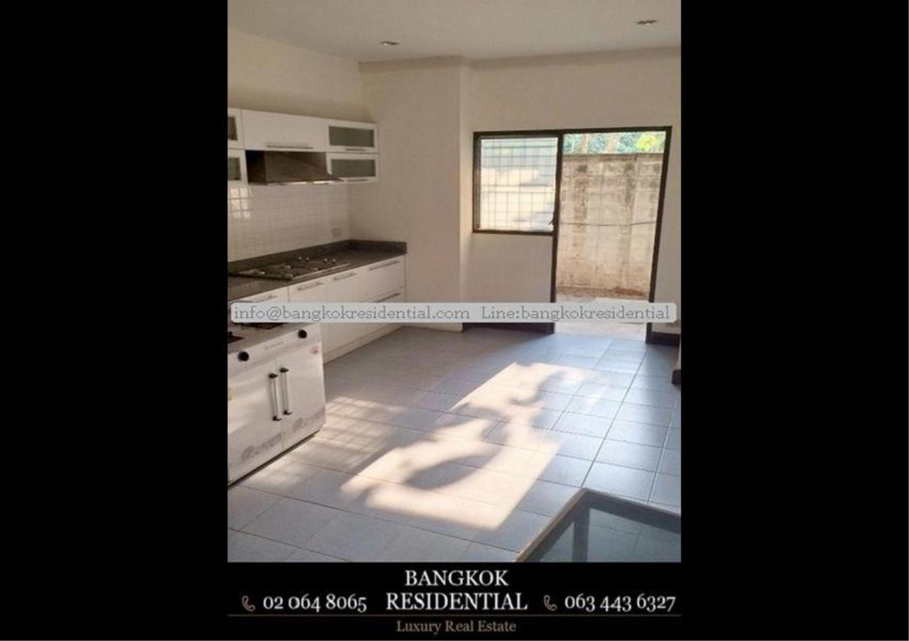 Bangkok Residential Agency's 6 Bed Townhouse For Rent in Sathorn BR8570TH 4