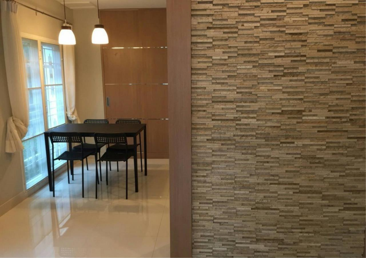 Bangkok Residential Agency's 3 Bed Townhouse in Compound For Rent in Silom BR8632TH 3