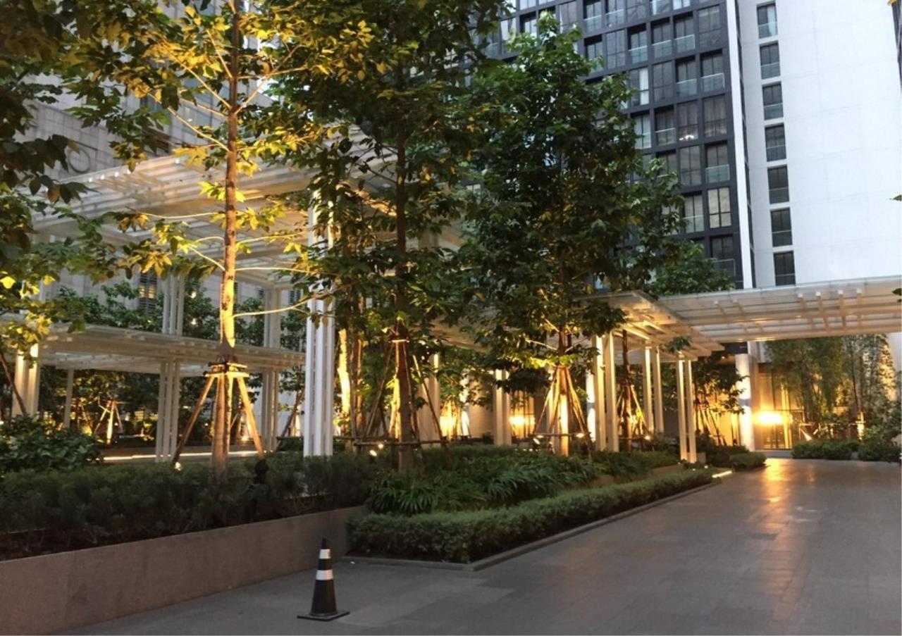Bangkok Residential Agency's 2 Bed Condo For Rentin Phloen Chit BR9057CD 11