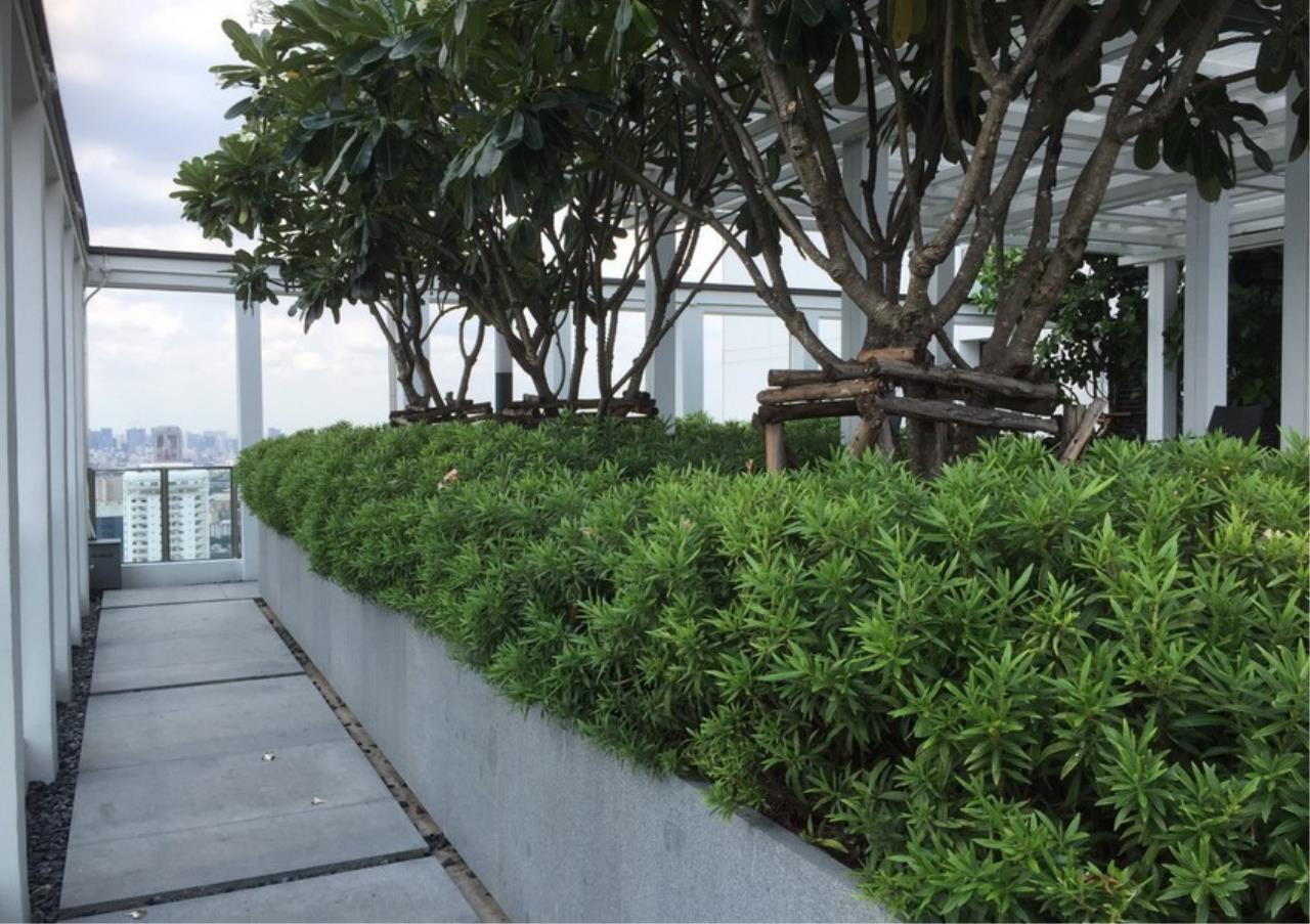 Bangkok Residential Agency's 2 Bed Condo For Rentin Phloen Chit BR9057CD 12