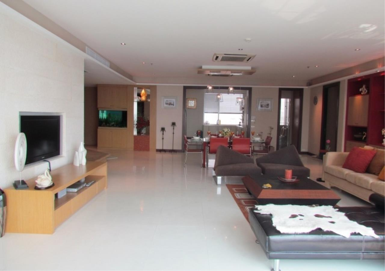 Bangkok Residential Agency's 5 Bed Condo For Sale Near Riverside BR9060CD 2