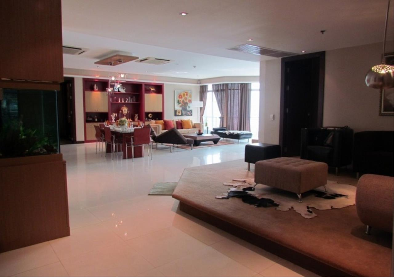 Bangkok Residential Agency's 5 Bed Condo For Sale Near Riverside BR9060CD 3