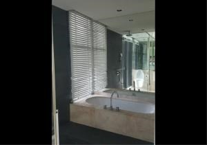 Bangkok Residential Agency's 3 Bed Condo For Rent in Sathorn BR9094CD 7