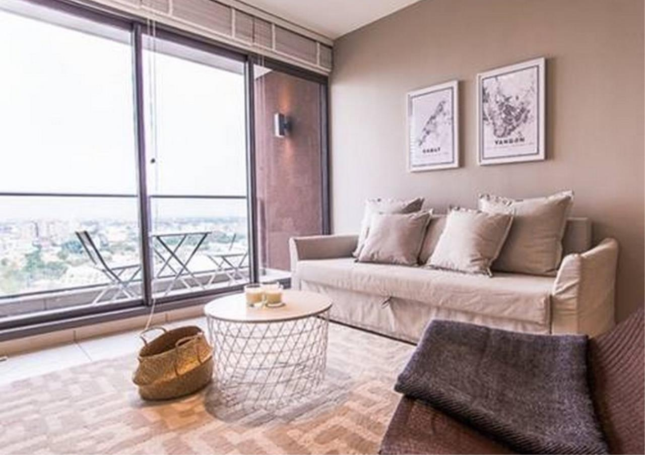 Bangkok Residential Agency's 2 Bed Condo For Rent in Ekkamai BR9107CD 1