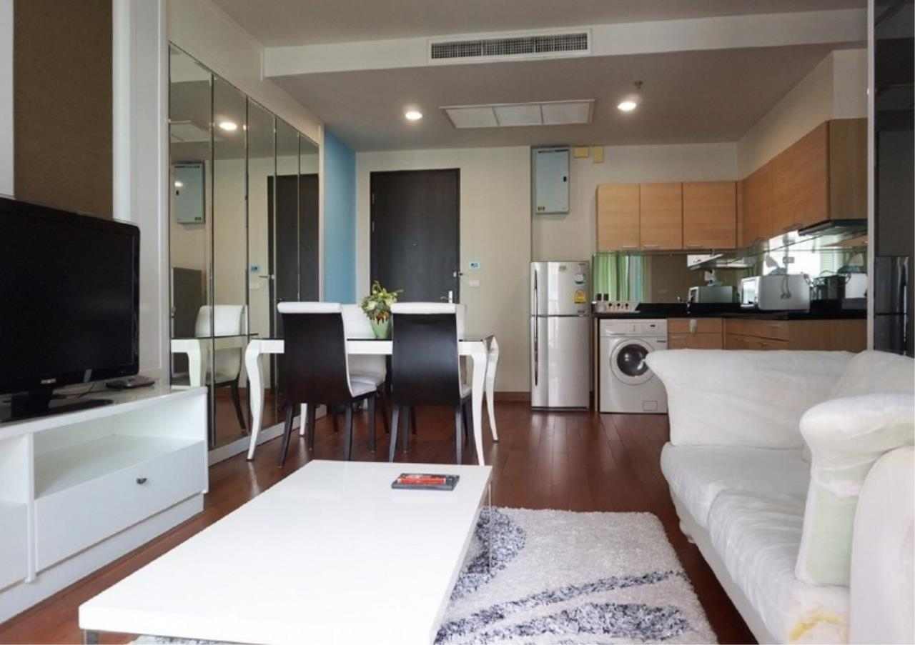 Bangkok Residential Agency's 2 Bed Condo For Rent in Chidlom BR9128CD 1