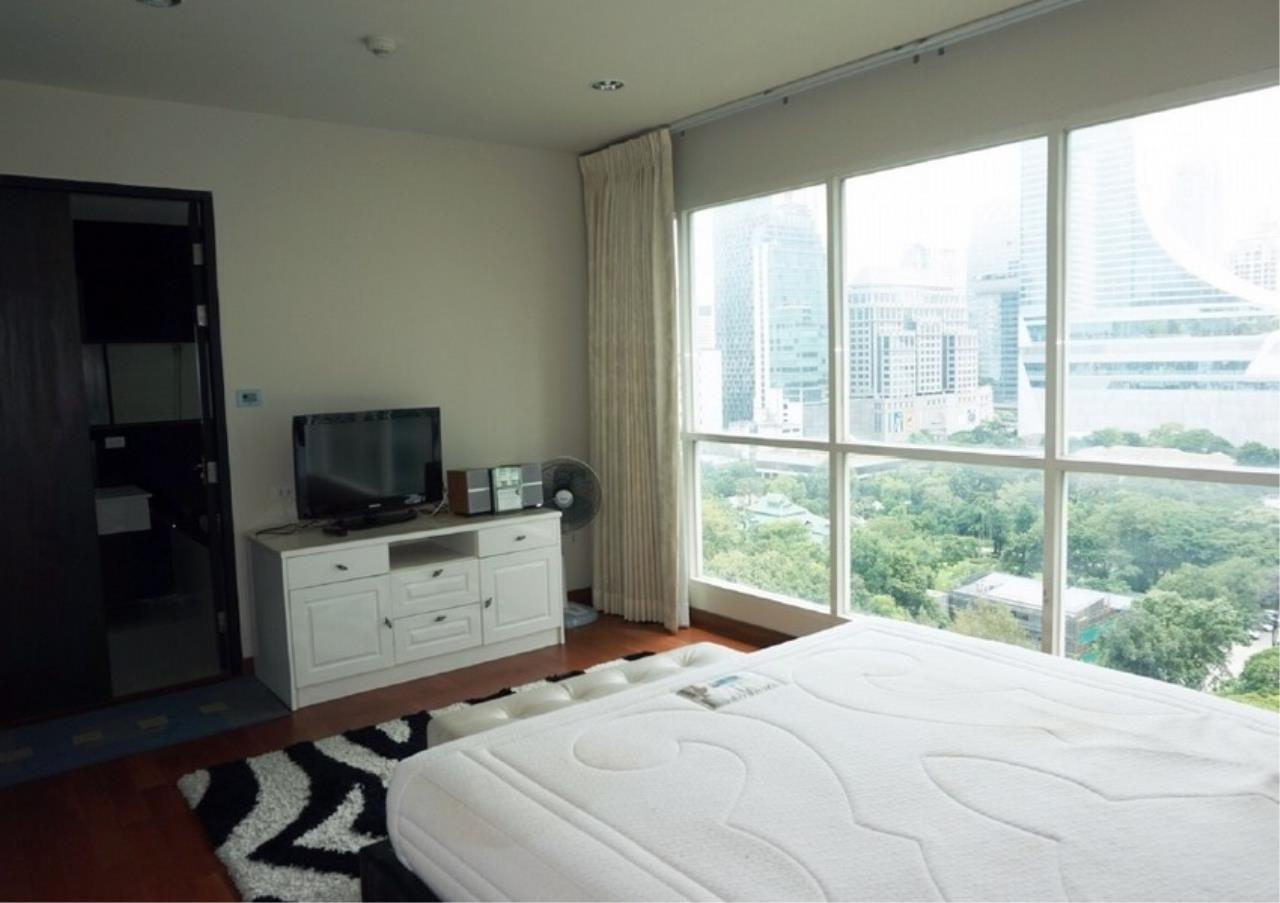 Bangkok Residential Agency's 2 Bed Condo For Rent in Chidlom BR9128CD 4