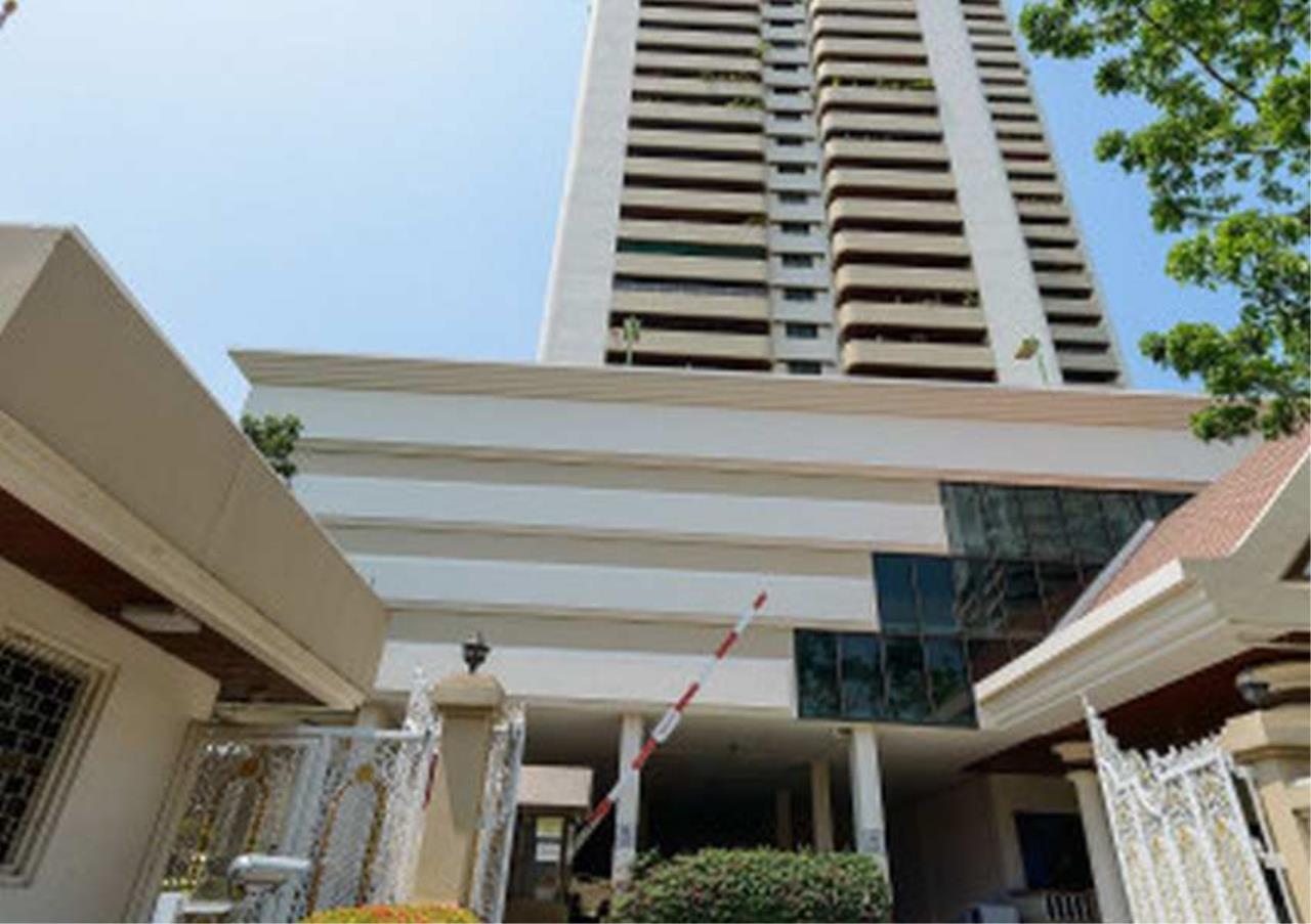 Bangkok Residential Agency's 3 Bed Condo For Rentin Ekkamai BR9146CD 4