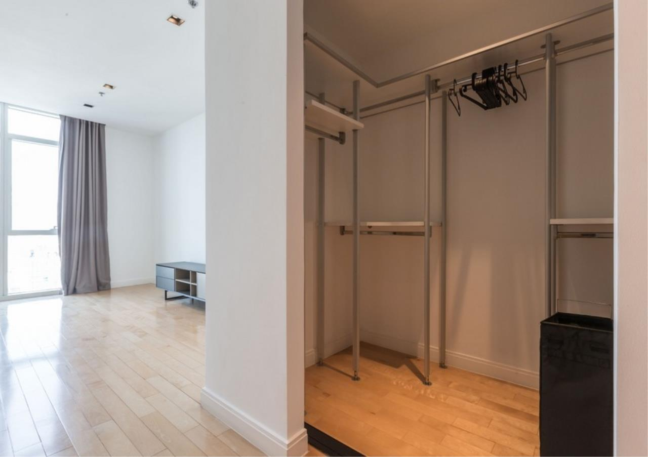 Bangkok Residential Agency's 3 Bed Condo For Rent in Phloen Chit BR9629CD 11