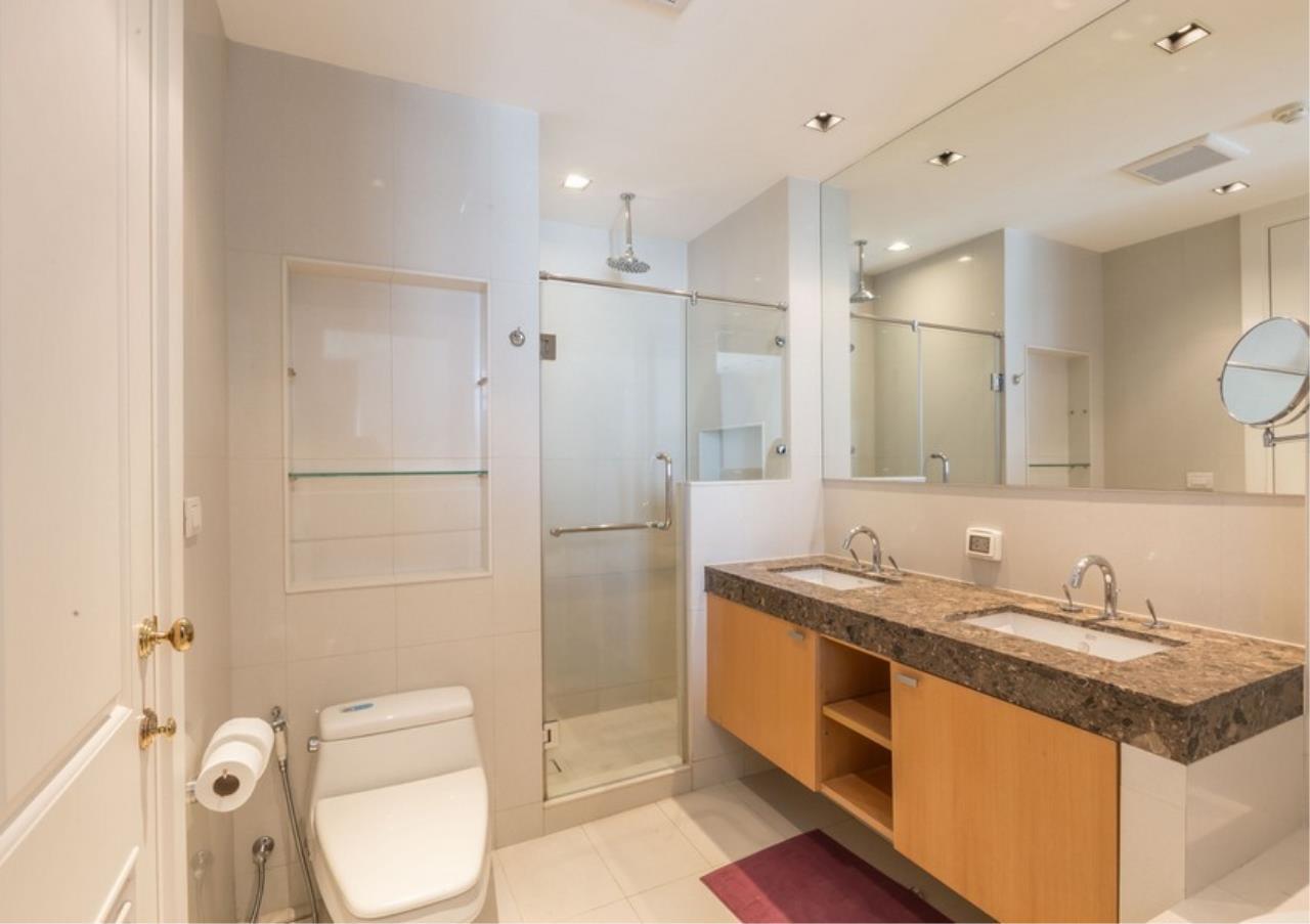 Bangkok Residential Agency's 3 Bed Condo For Rent in Phloen Chit BR9629CD 15