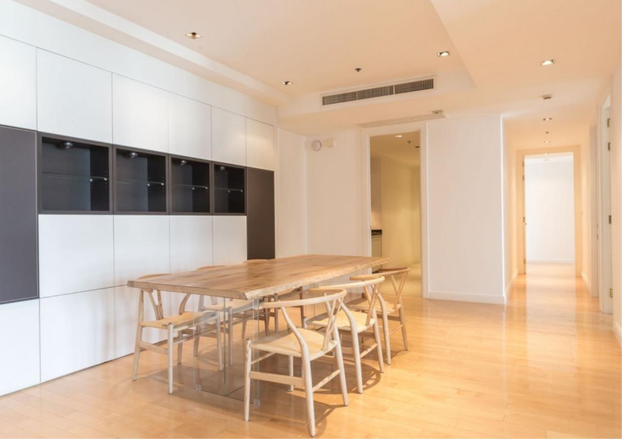 Bangkok Residential Agency's 3 Bed Condo For Rent in Phloen Chit BR9629CD 3