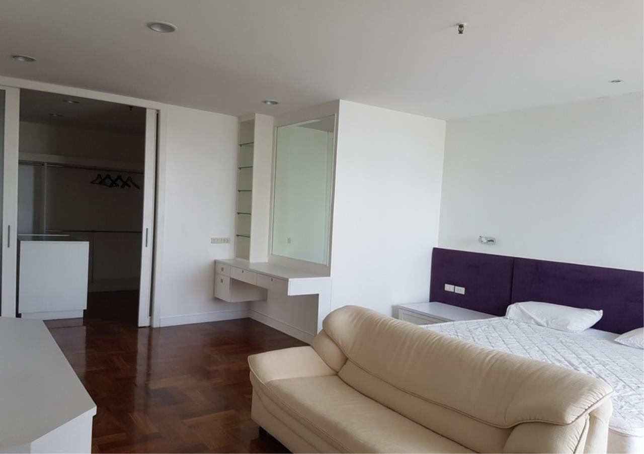 Bangkok Residential Agency's 3 Bed Condo For Rent in Thonglor BR9831CD 6