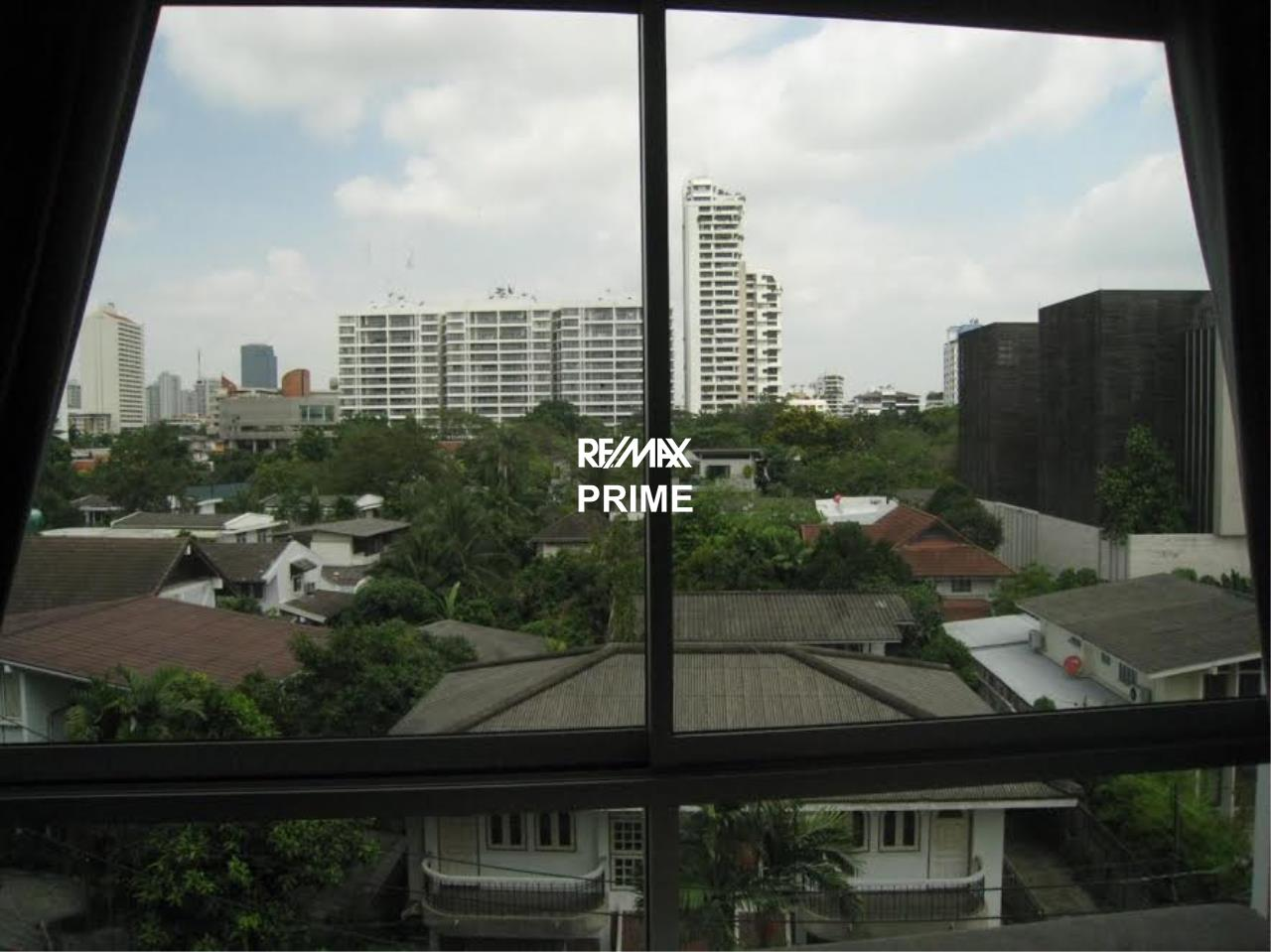 RE/MAX PRIME Agency's For Sale the forty-nine plus two Condo 6