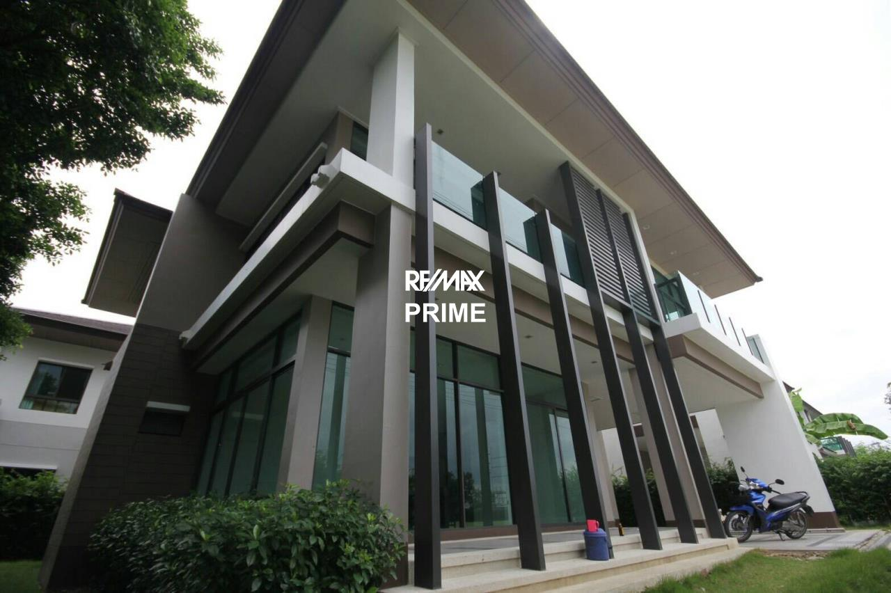 RE/MAX PRIME Agency's House for Sale Setthasiri Onnut-Srinakarin 1