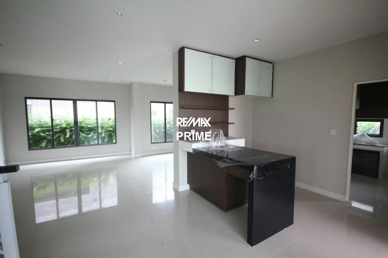 RE/MAX PRIME Agency's House for Sale Setthasiri Onnut-Srinakarin 11