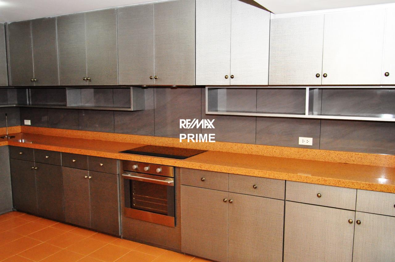 RE/MAX PRIME Agency's For Sale Baan Sukhumvit 16