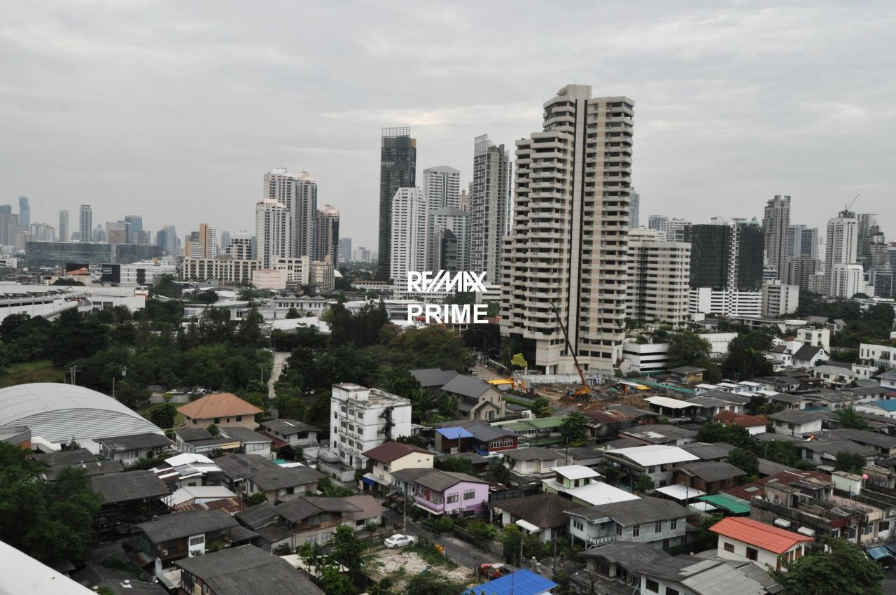 RE/MAX PRIME Agency's For Sale Baan Sukhumvit 18