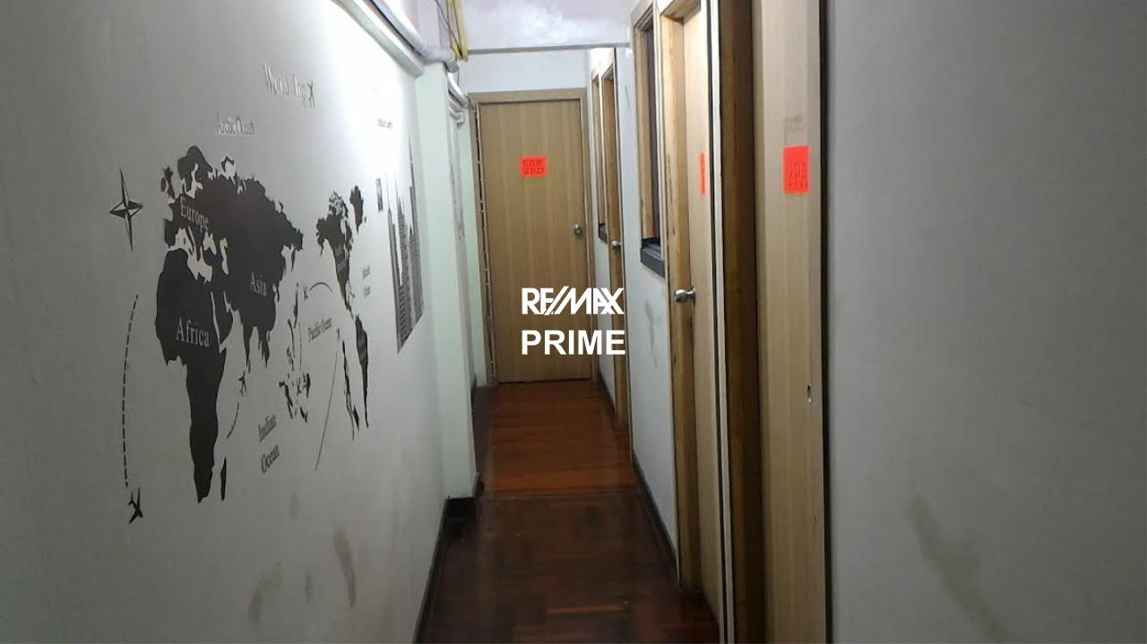 RE/MAX PRIME Agency's For Sale Hostel in Silom 5