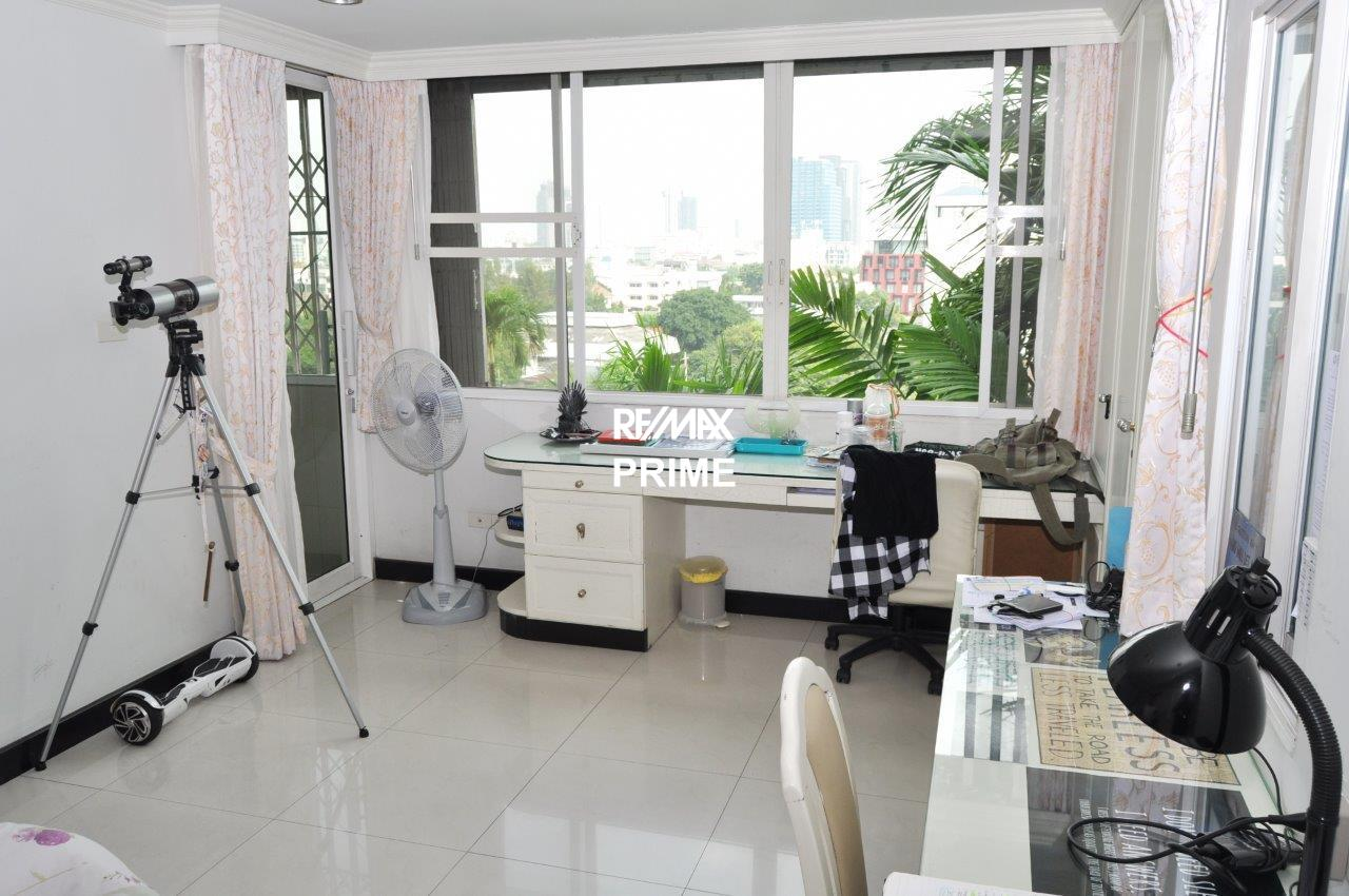 RE/MAX PRIME Agency's For Rent Oriental Tower 32