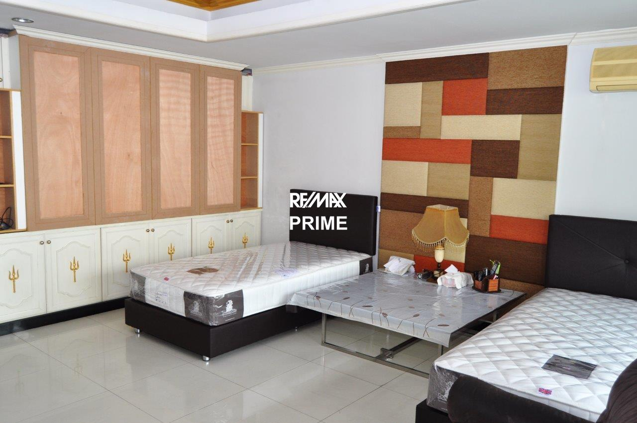 RE/MAX PRIME Agency's For Rent Oriental Tower 35