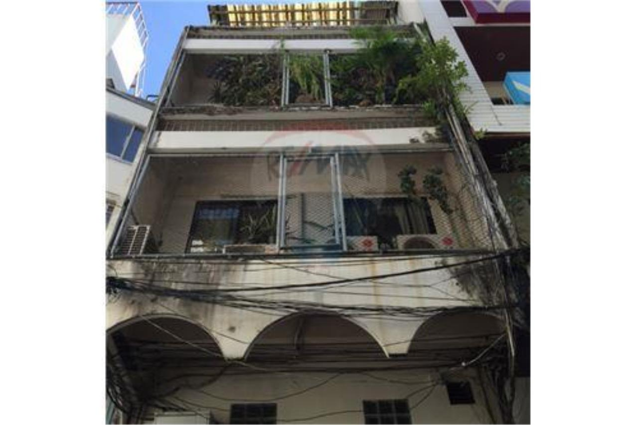 RE/MAX PRIME Agency's For Sale Thonglor Shophouse 3