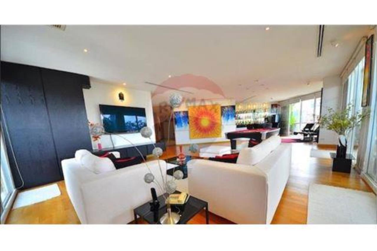 RE/MAX PRIME Agency's Castle Hill Sale Luxury Condo Near BigC BTS Ekamai 3