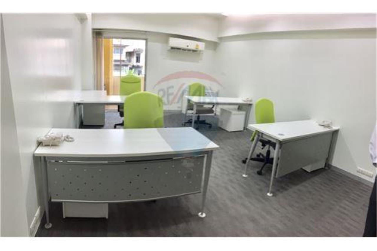 RE/MAX Professionals Agency's Service office: 30 Sqm 22k plus VAT 1