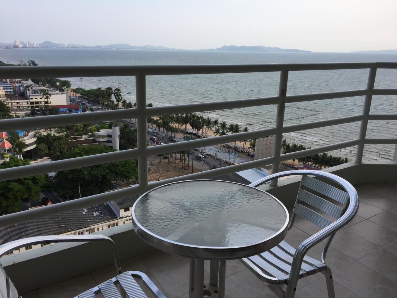 Agent - Chotika Fuchs Agency's Studio for Sale in View talay 7 - 48 Sqm floor 17th Full furnished Jomtien Side view 10