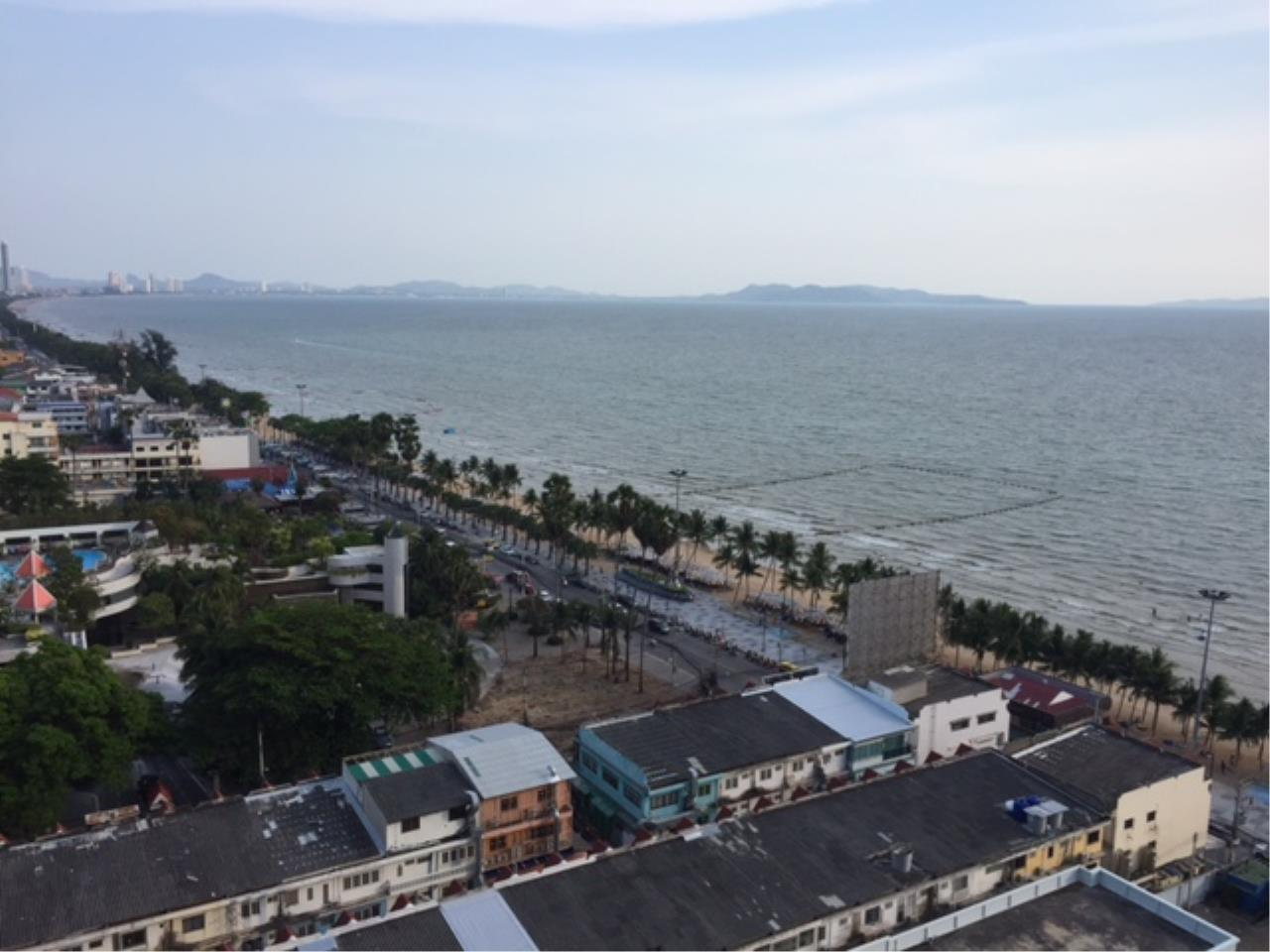 Agent - Chotika Fuchs Agency's Studio for Sale in View talay 7 - 48 Sqm floor 17th Full furnished Jomtien Side view 3