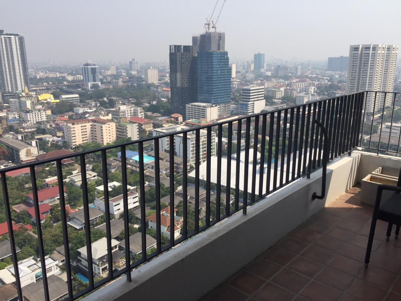 Agent - Natchga Boonkrong  Agency's For SALE Icon III Thonglor 1 Bedroom Sukhumvit Thonglor 20 Large Unit 6
