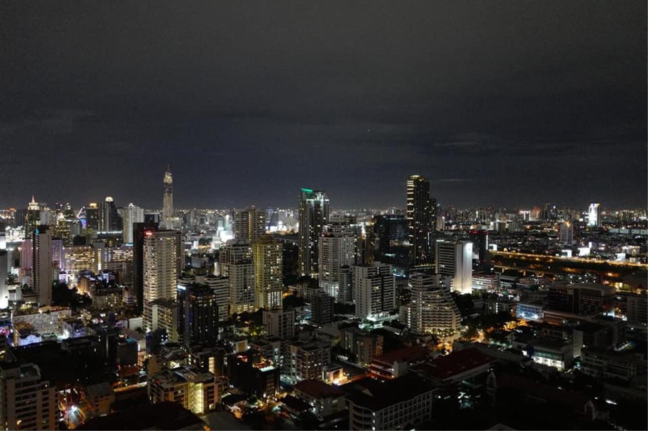 Agent - Natchga Boonkrong  Agency's For Sale/Rent The Esse Asoke 2 Bedrooms 21