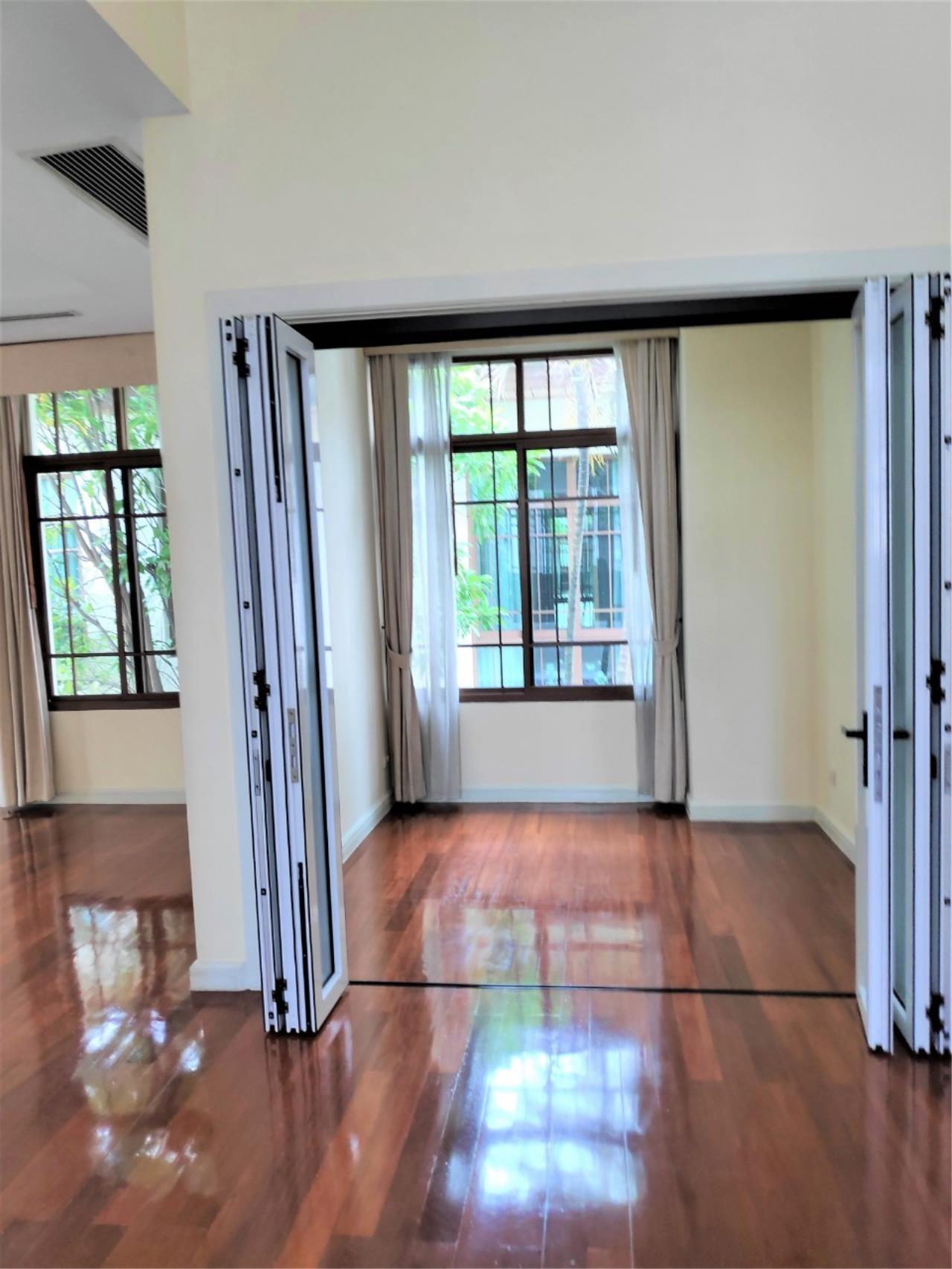 Agent - Natchga Boonkrong  Agency's For Rent House 4 Bedrooms Baan Sansiri Sukhumvit 67 7