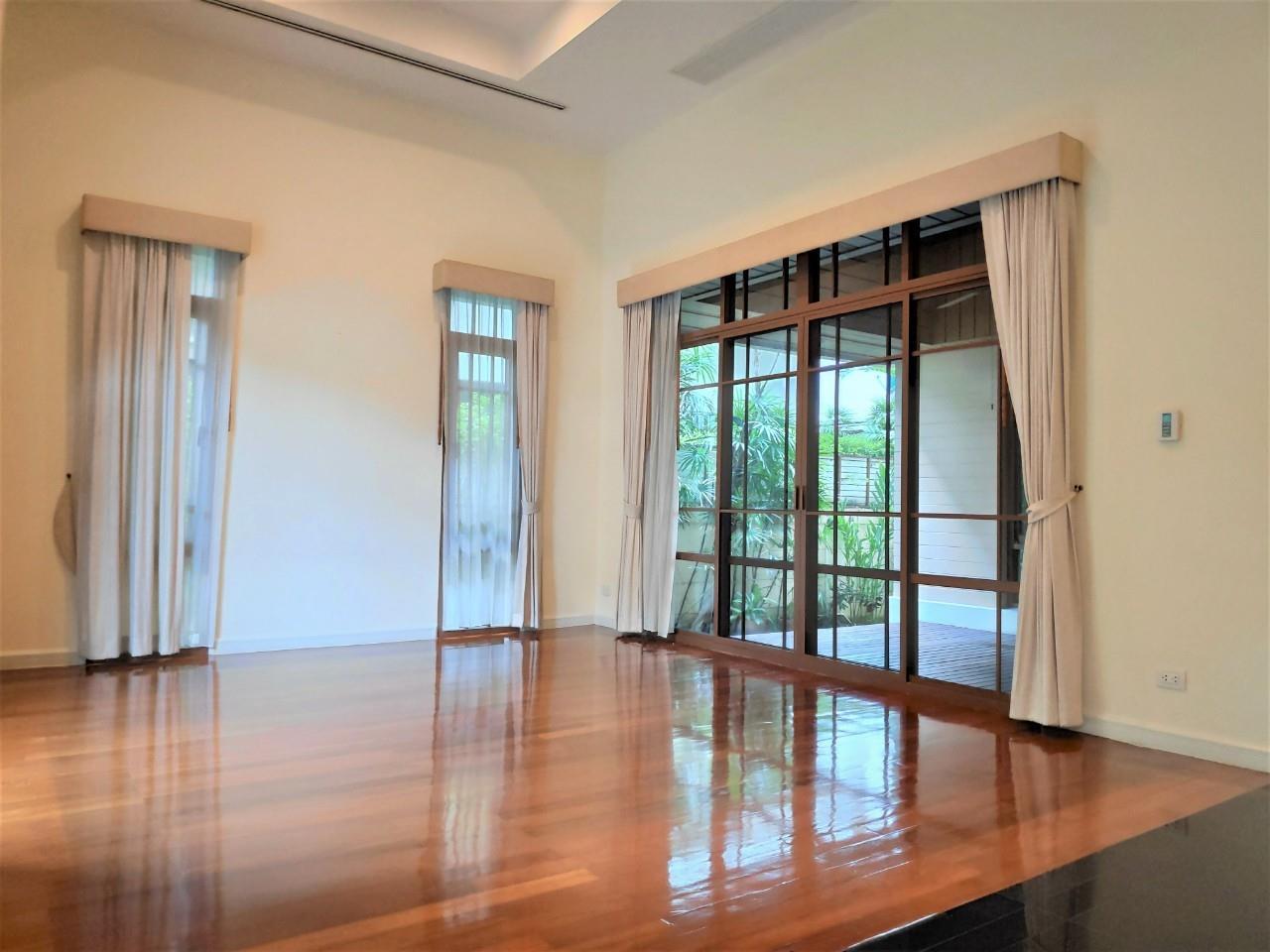 Agent - Natchga Boonkrong  Agency's For Rent House 4 Bedrooms Baan Sansiri Sukhumvit 67 9