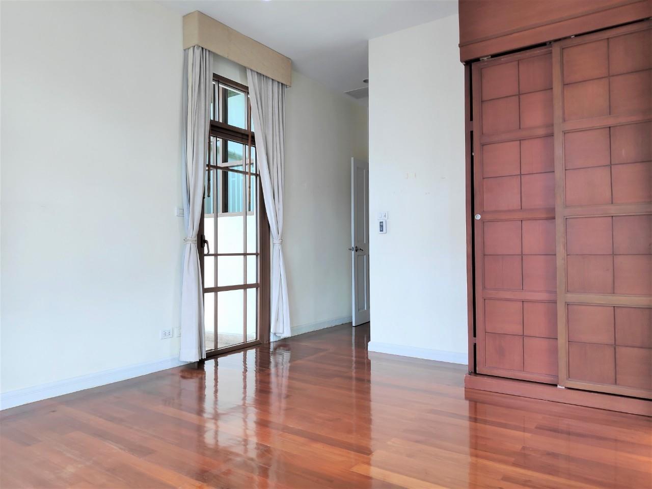 Agent - Natchga Boonkrong  Agency's For Rent House 4 Bedrooms Baan Sansiri Sukhumvit 67 13