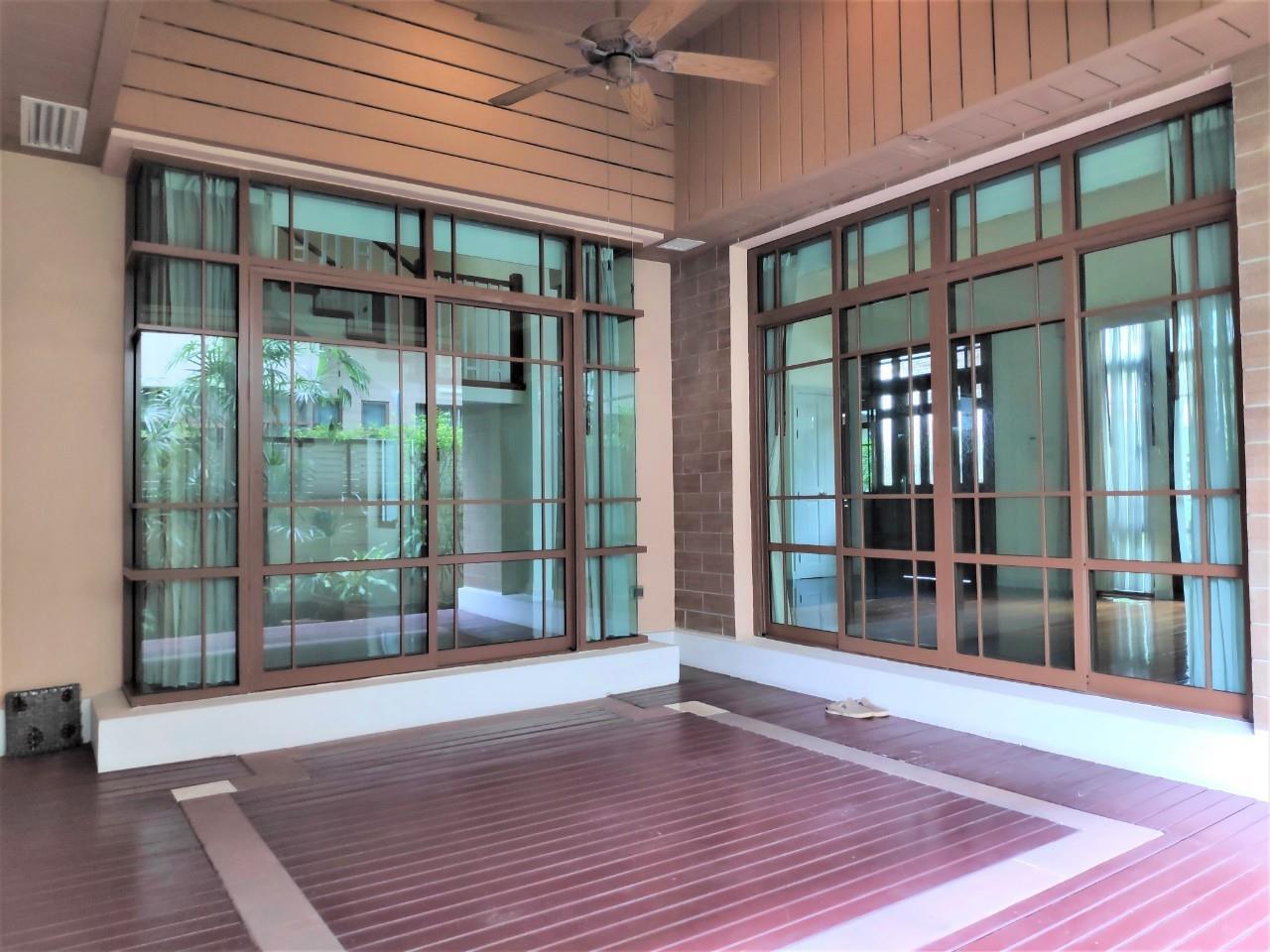 Agent - Natchga Boonkrong  Agency's For Rent House 4 Bedrooms Baan Sansiri Sukhumvit 67 14