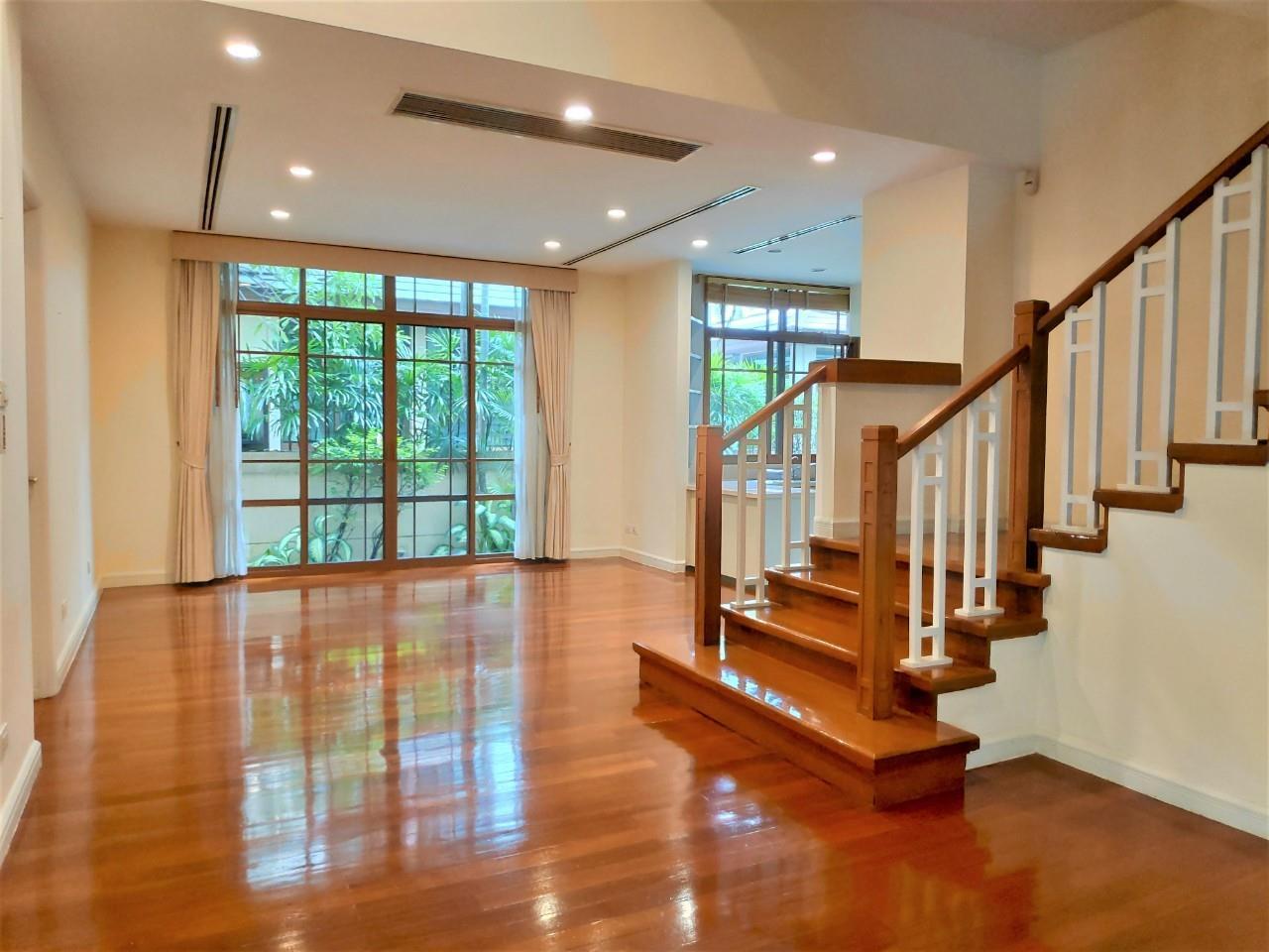 Agent - Natchga Boonkrong  Agency's For Rent House 4 Bedrooms Baan Sansiri Sukhumvit 67 16