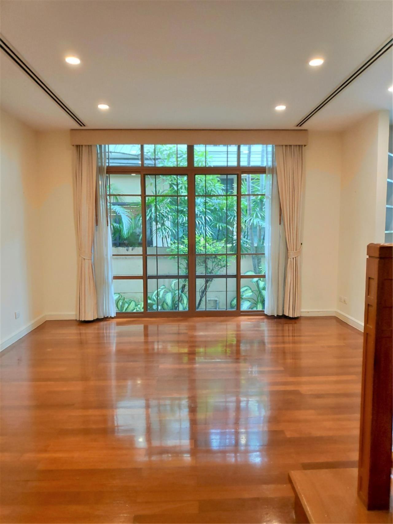 Agent - Natchga Boonkrong  Agency's For Rent House 4 Bedrooms Baan Sansiri Sukhumvit 67 17