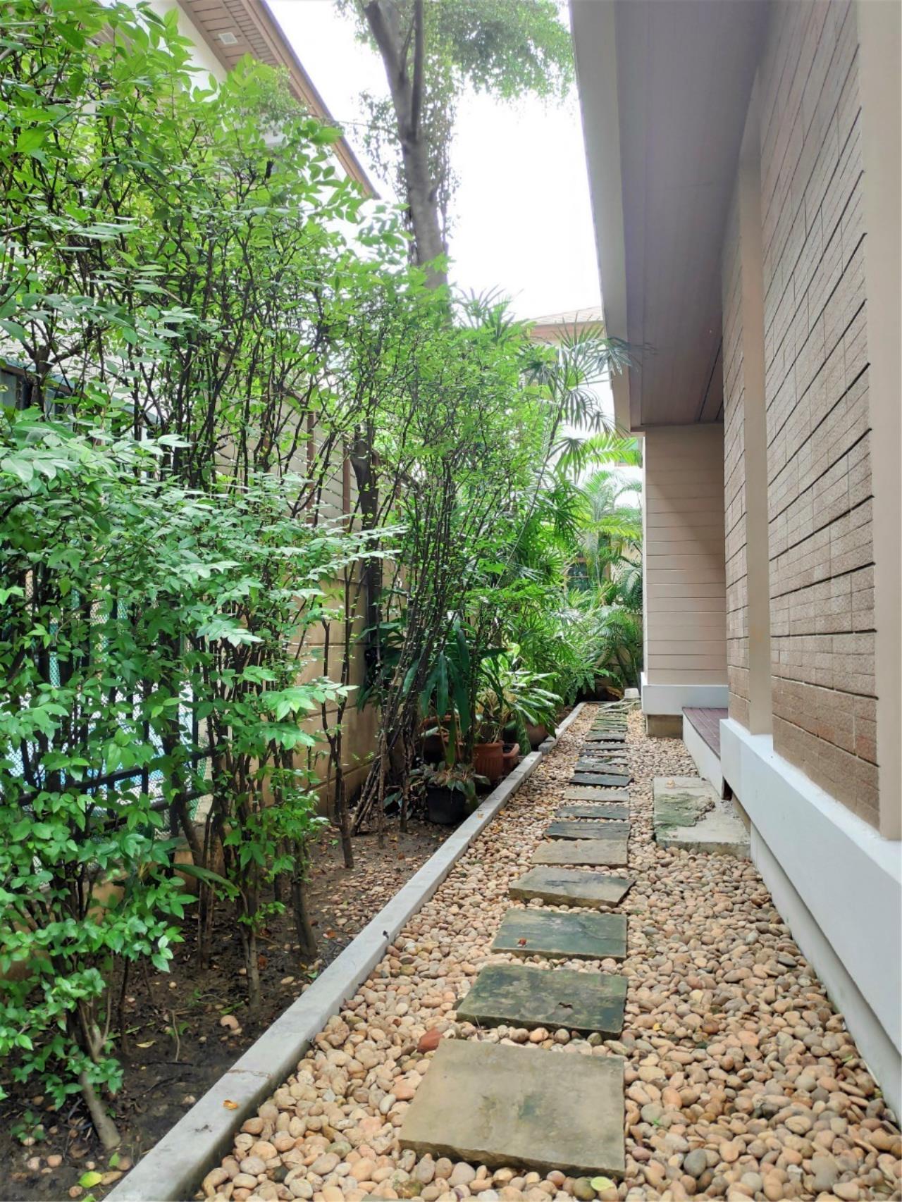 Agent - Natchga Boonkrong  Agency's For Rent House 4 Bedrooms Baan Sansiri Sukhumvit 67 21