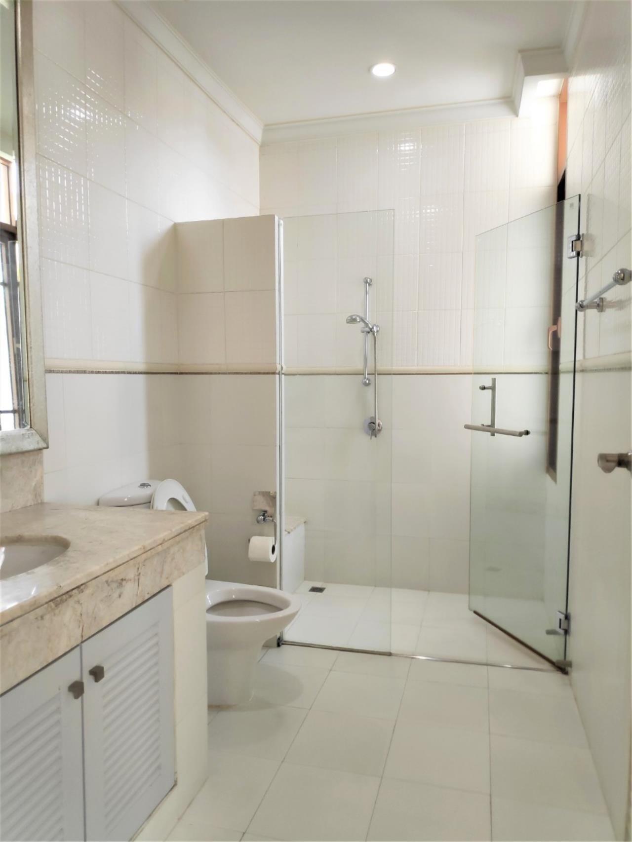 Agent - Natchga Boonkrong  Agency's For Rent House 4 Bedrooms Baan Sansiri Sukhumvit 67 29