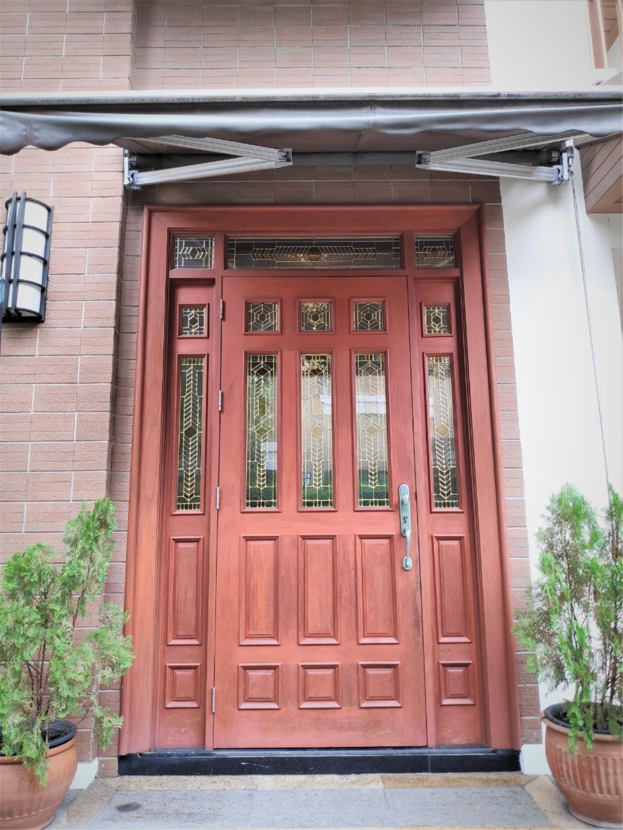 Agent - Natchga Boonkrong  Agency's For Rent House 4 Bedrooms Baan Sansiri Sukhumvit 67 3